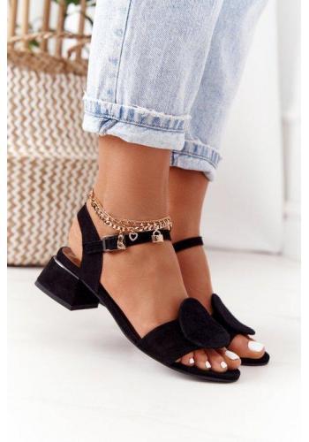Módne dámske semišové sandále na opätku čiernej farby