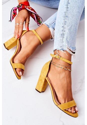 Semišové žlté sandále na opätku pre dámy