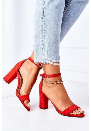 Elegantné semišové sandále v červenej farbe