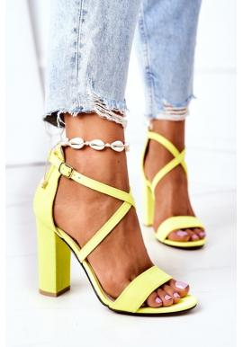 Dámske sandále s remienkami na opätku v neonovo žltej farbe