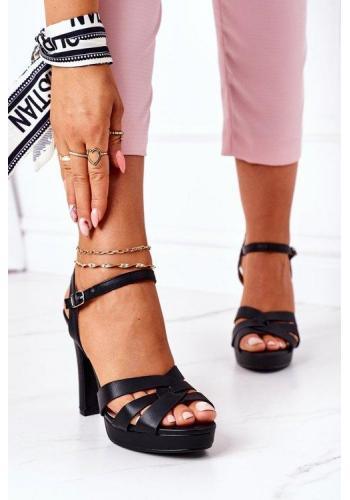 Štýlové klasické sandále na podpätku čiernej farby