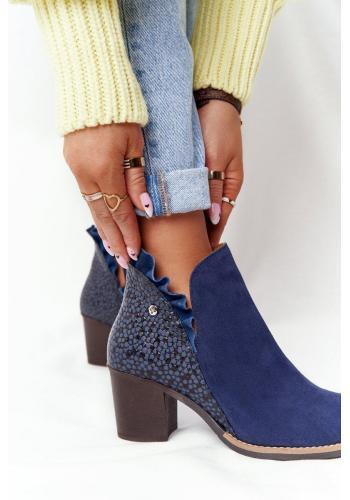 Kožené dámske topánky tmavomodrej farby na širokom podpätku