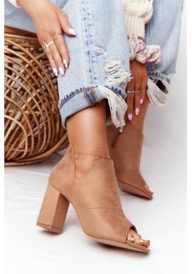 Béžové semišové topánky na stabilnom podpätku pre dámy