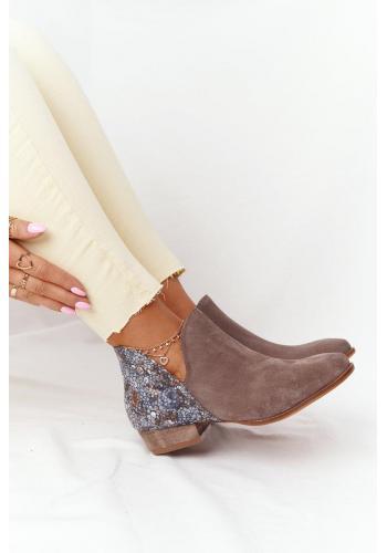 Dámske nubukové topánky so zdobeným zvrškom v tmavobéžovej farbe
