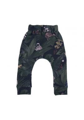 Bavlnené detské nohavice s gumičkou a s motívom detektívov z džungle