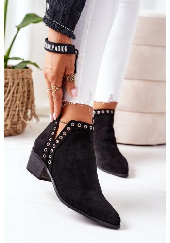 Dámske ažúrové topánky s výrezmi v čiernej farbe
