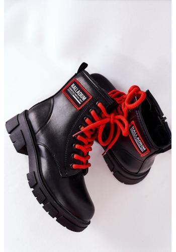 Detské oteplené čižmy v čiernej farbe s červenými šnúrkami